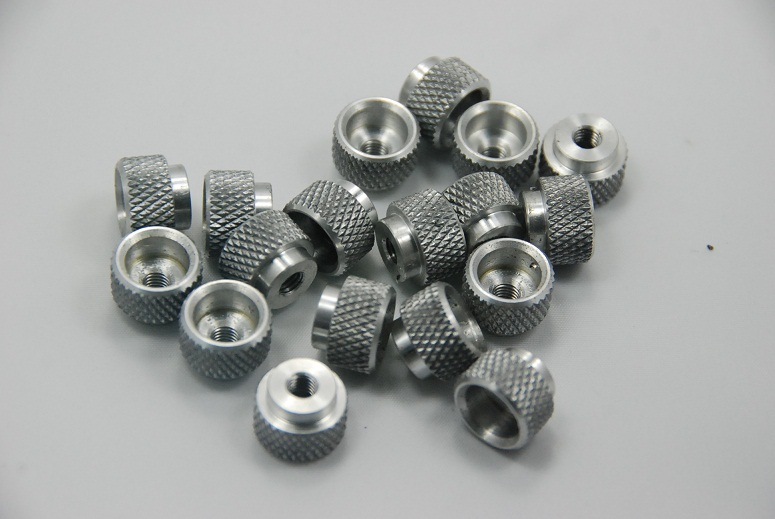 Small aluminum knob with knurling